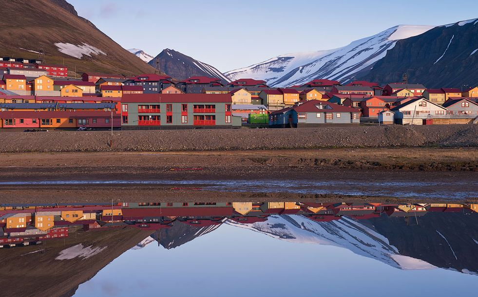 Company homes in Longyearbyen  (3)