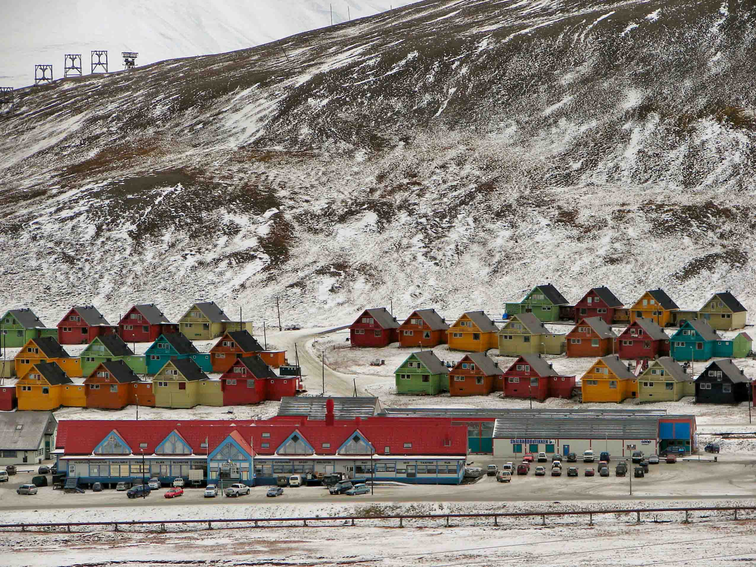 Company homes in Longyearbyen  (7)