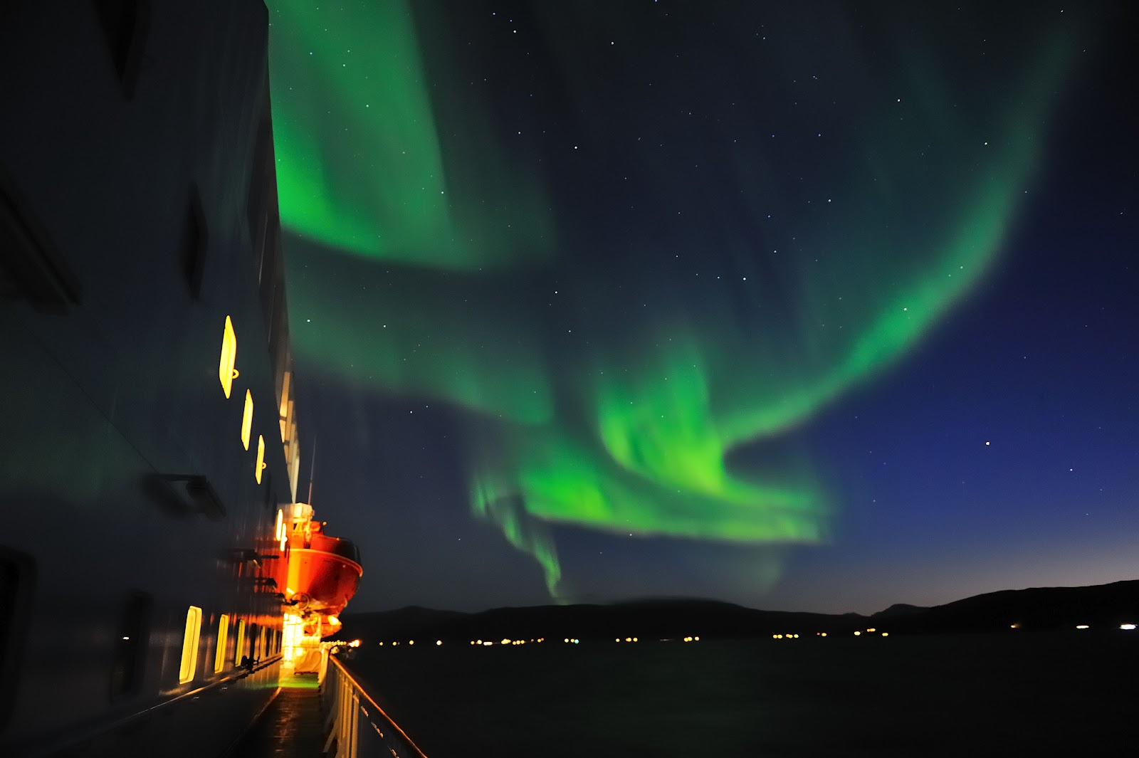Norten Lights Svalbard (5)