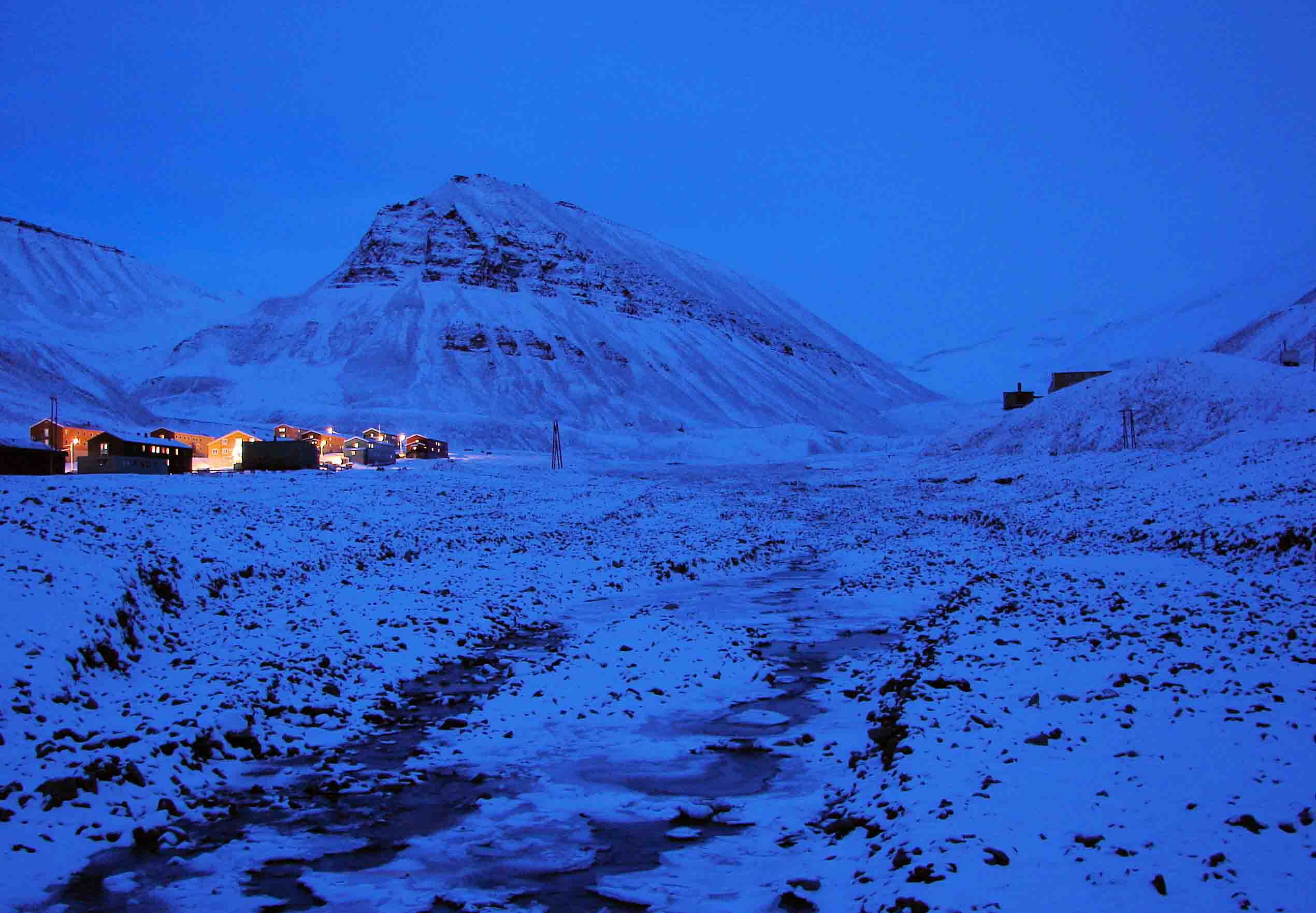 Polar Nights in Svalbard (1)