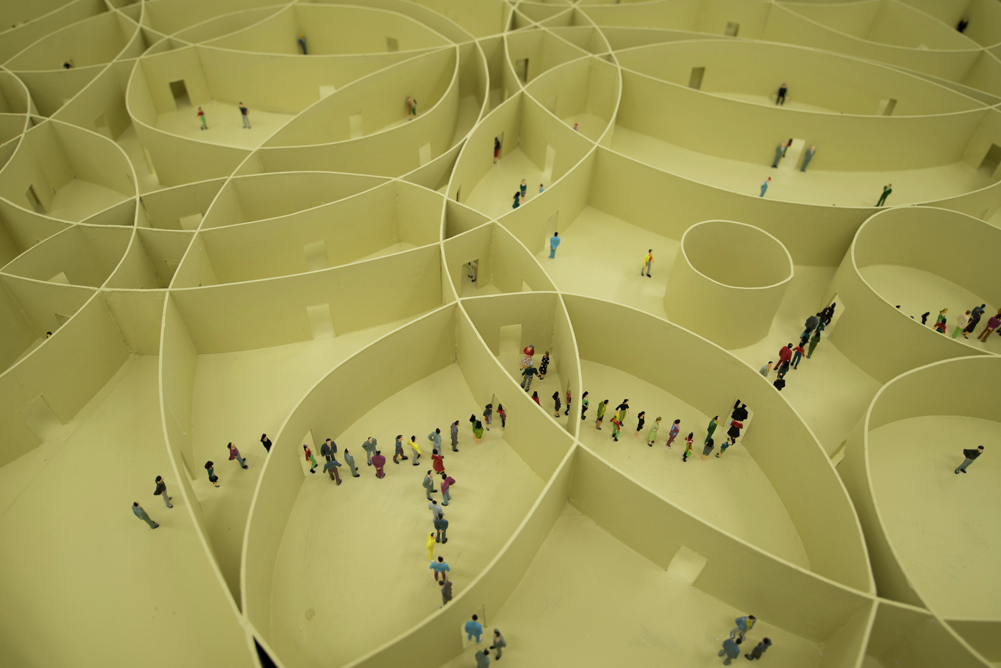 Pezo von Ellrichshausen's Model of 100 Circles Explores the Diversity of Repetition