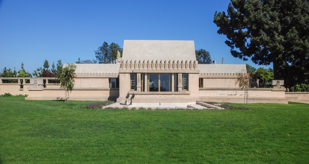 Hollyhock House by Frank Lloyd Wright 1921